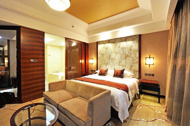 客房-豪华大床房